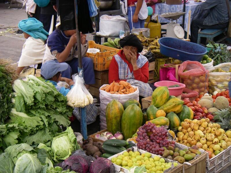 Open-air mercado in Ecuador