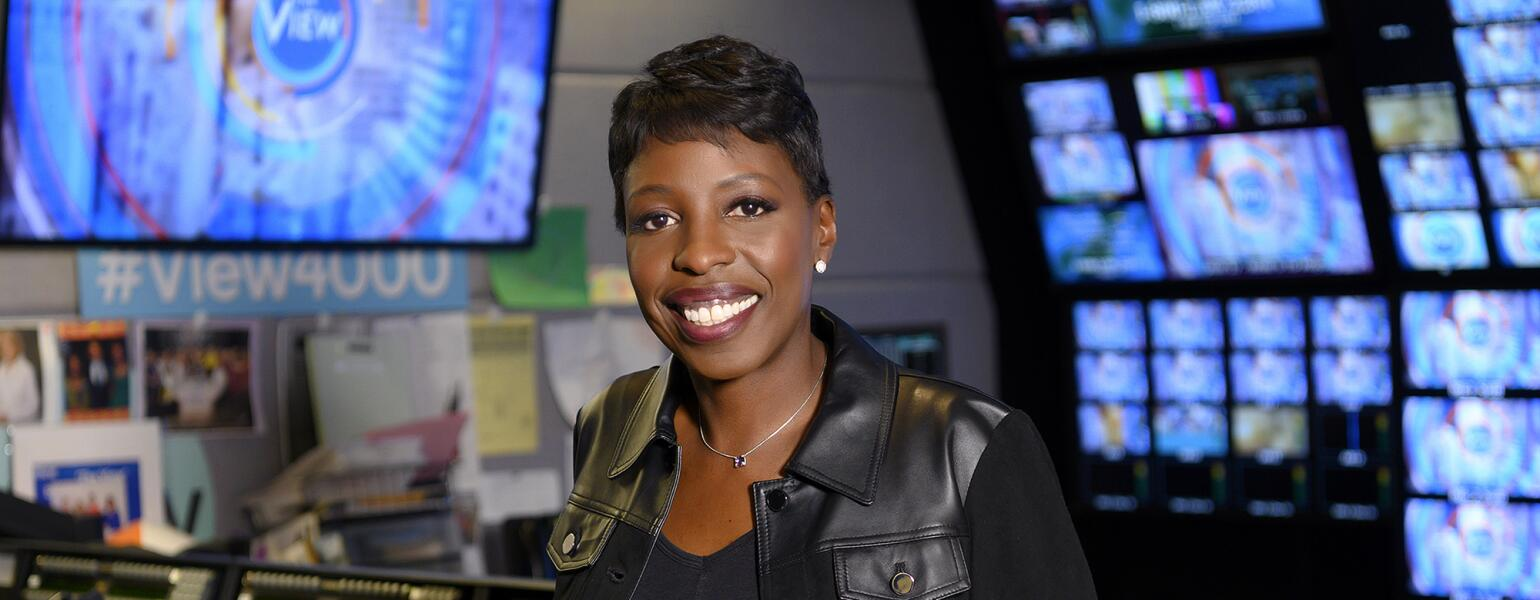 Candi_Carter_executive_producer_the_view_155151_5713RT[9]_1540.jpg
