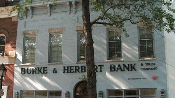 Burke_&_Herbert_building_on_King_St.