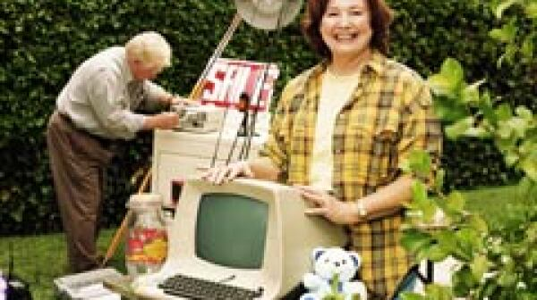 240-couple-yard-sale-old-computer-monitor