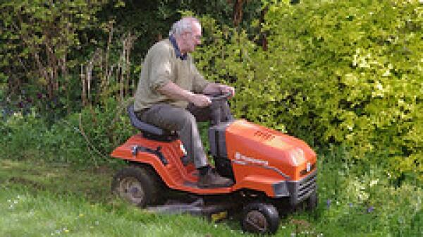 dad mow lawn