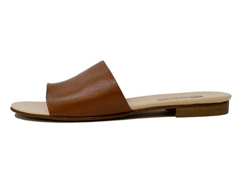 Kahmune afua kumasi leather 1.png