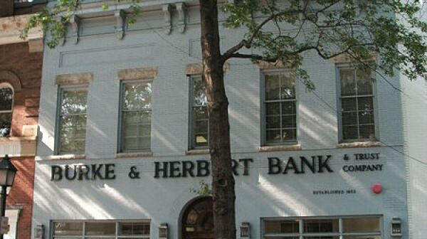 Burke_&_Herbert_building_on_King_St.