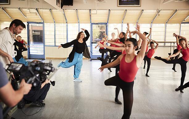 Debbie_Allen_Dance_instructor_BTS 2_563R_612.jpg