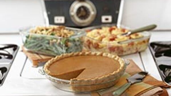240-thanksgiving-meal-pumpkin-pie-plane-traveling