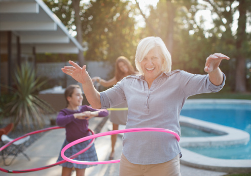 hulahoop older lady