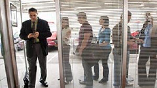 240-people-standing-employment-line-november-jobs-report