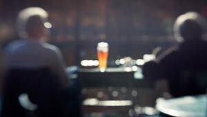 300-binge-drinking-senior