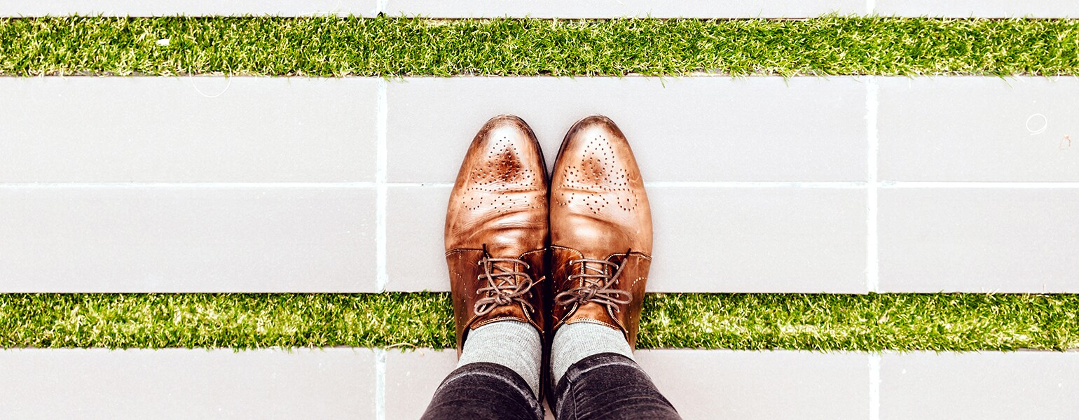 aarp, sisters, style, oxfords