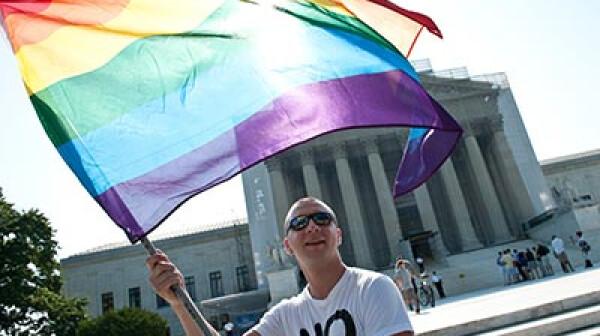 400-man-flag-us-supreme-court-same-sex