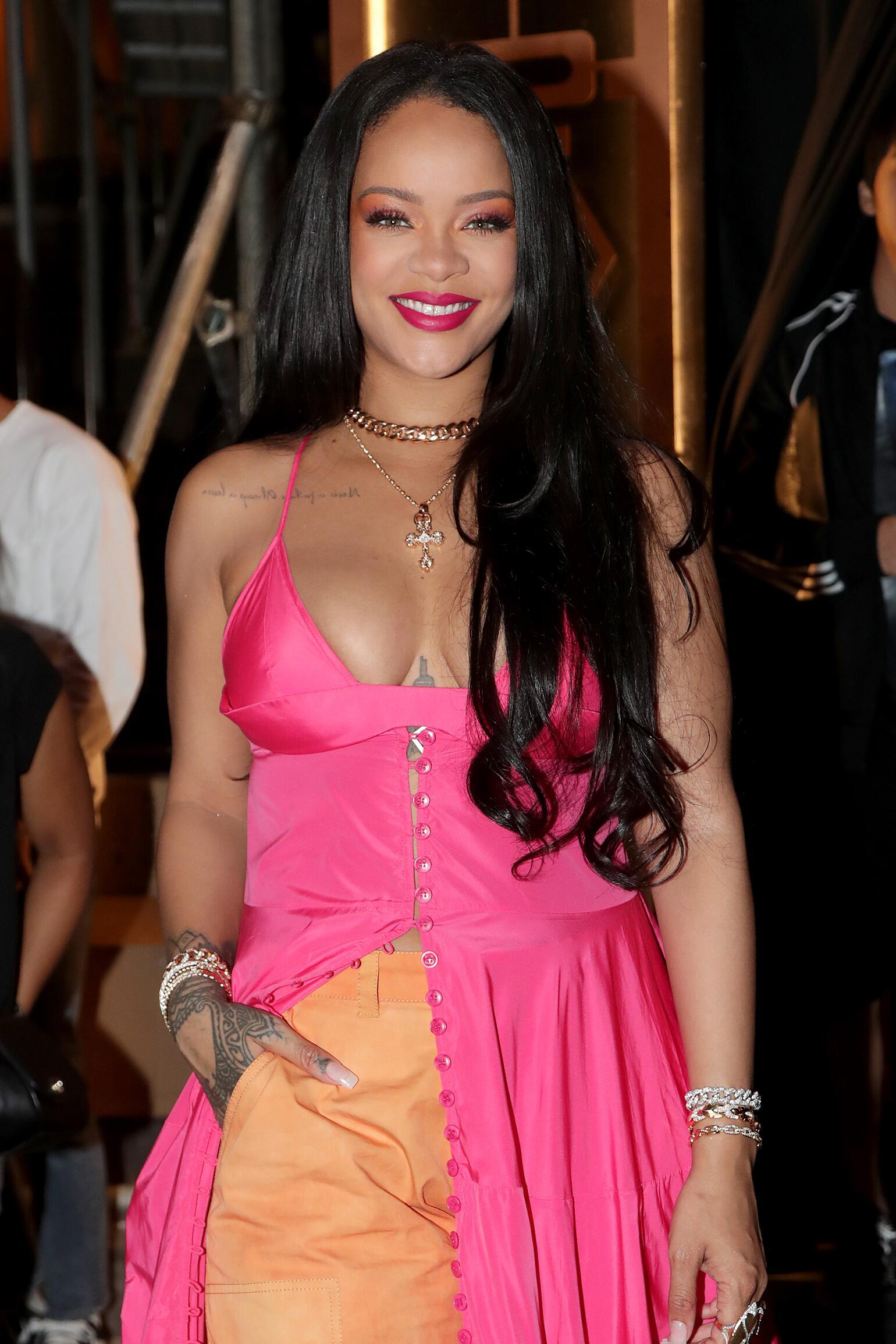 Rihanna_SistersOfTheYear_GettyImages-1175540252.jpg