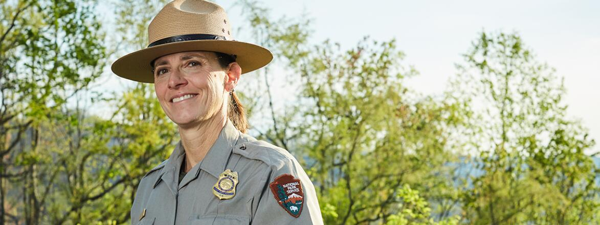 Lisa Hendy on duty in ranger uniform in the smoky mountains national pak