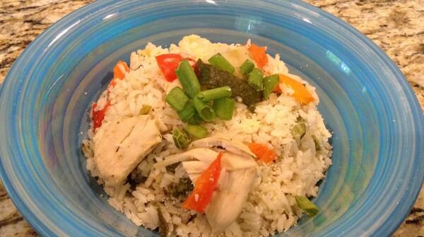 Arroz con vegetales y pollo