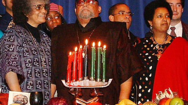Ron Karenga leads Kwanzaa celebration