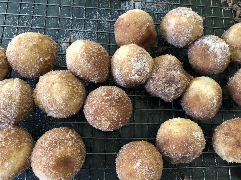 Vegan Cinnamon Muffin Doughnut Holes