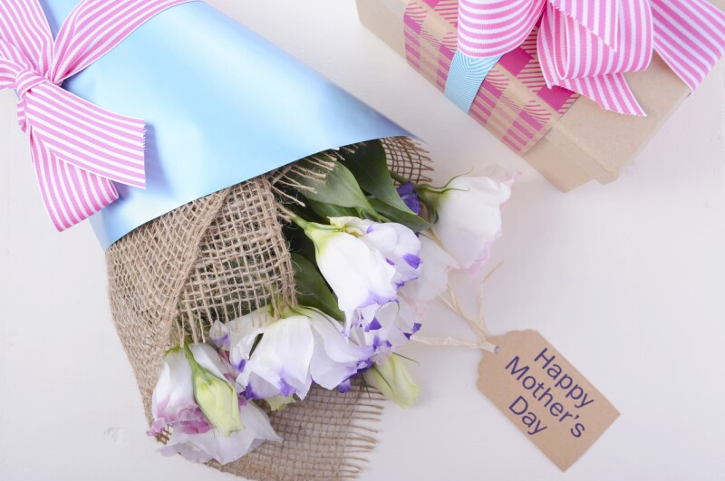 Mothers Day Flowers and Gift