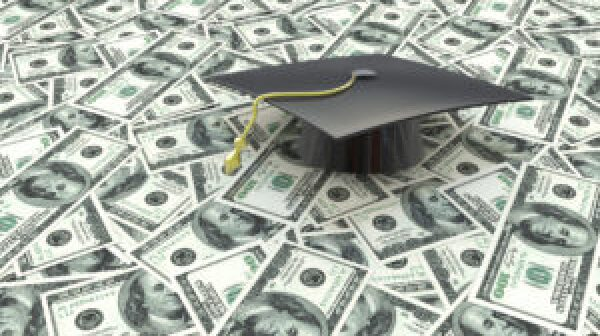 Student loan graphic of graduation cap on hundred dollar bills