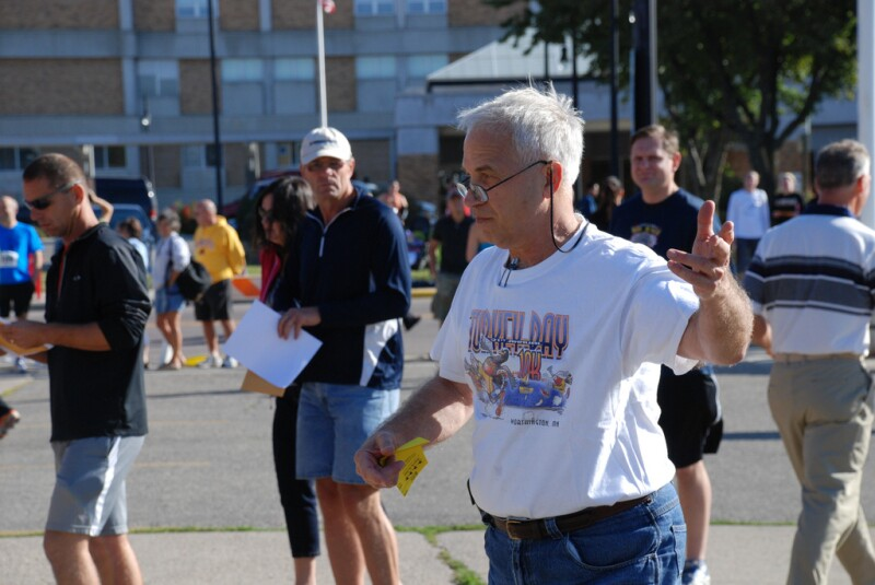 Jerry Fiola directing the Turkey Day 10K