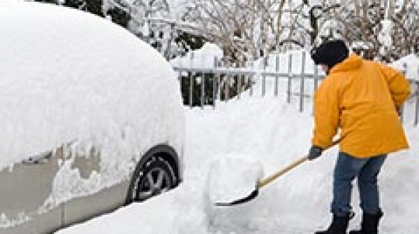 240-shovel-snow-stay-safe-icy-weather