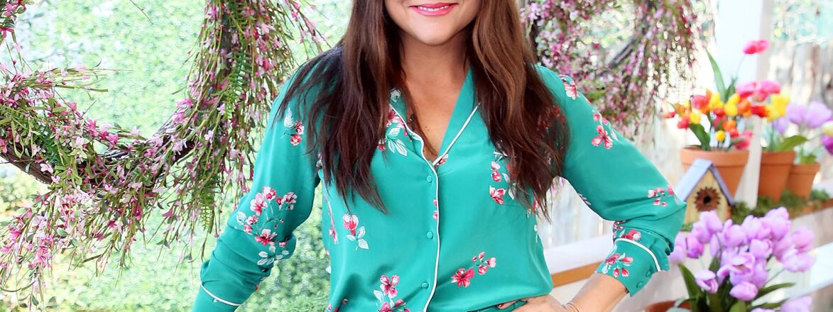 """Actress Tiffani Thiessen visits Hallmark's """"Home & Family"""" at Universal Studios Hollywood on March 23, 2018 in Universal City, California"""