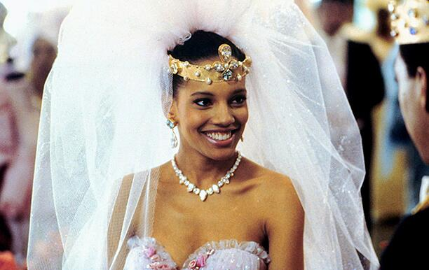 SHARI HEADLEY COMING TO AMERICA (1988)