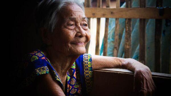 filipino-woman
