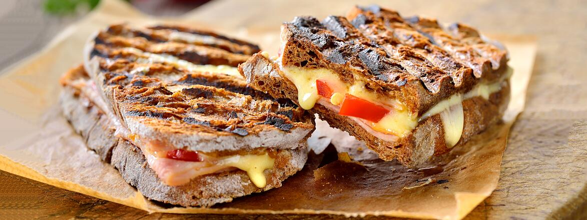 Grilled sandwich with turkey and brie