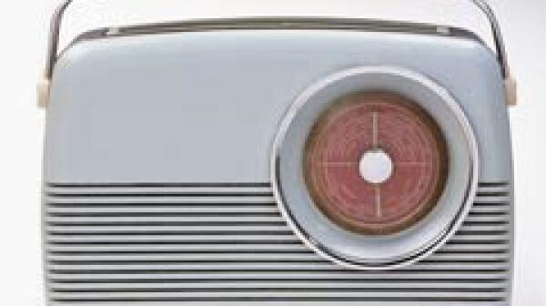 240-antique-radio