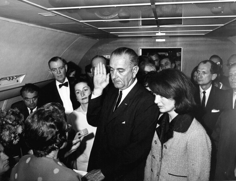 LBJ-swearing-in