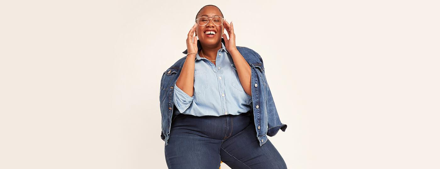 image_of_woman_sitting_on_stool_size_inclusive_store_old_navy_fashion_piece_1440x560.jpg