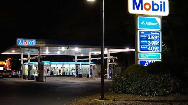 Mobil_Gas_Station