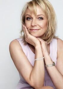 Helen Fielding c Alisa Connan