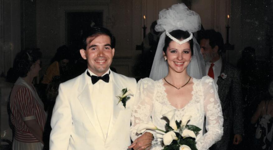 cursedweddingdress_PaulaRobert-wedding_2000.jpg
