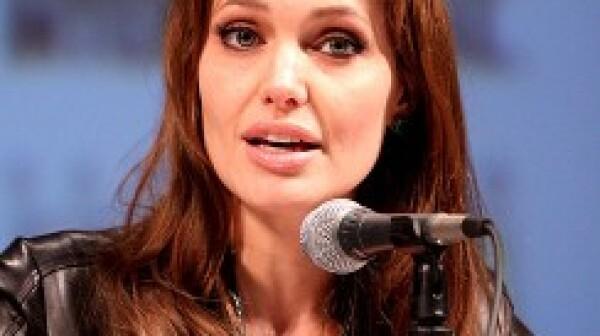 Angelina-Jolie-244x300