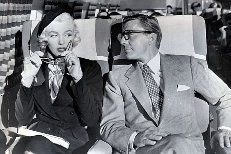 Marilyn Monroe with glasses