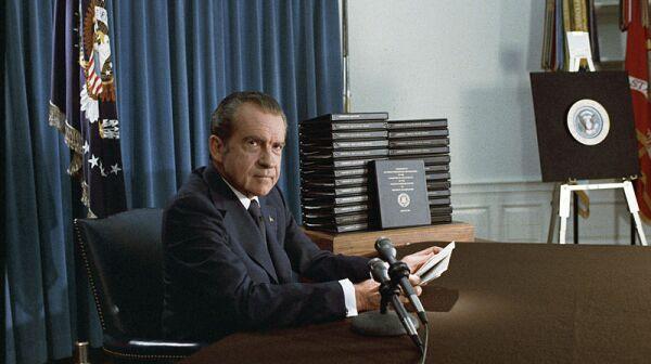 800px-Nixon_edited_transcripts