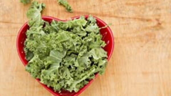 240-kale-red-heart-bowl-superfood