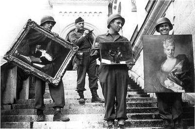 us-soldiers-recover-looted-paintings