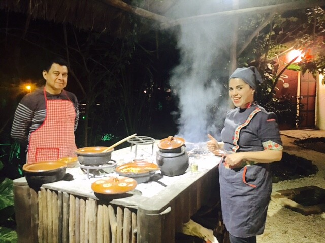 Chikle Prehispanic Cooking Classes, chef Mónica Lazcano y Estuardo Juärez