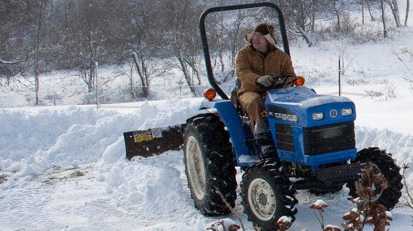 Helping others by pushing snow