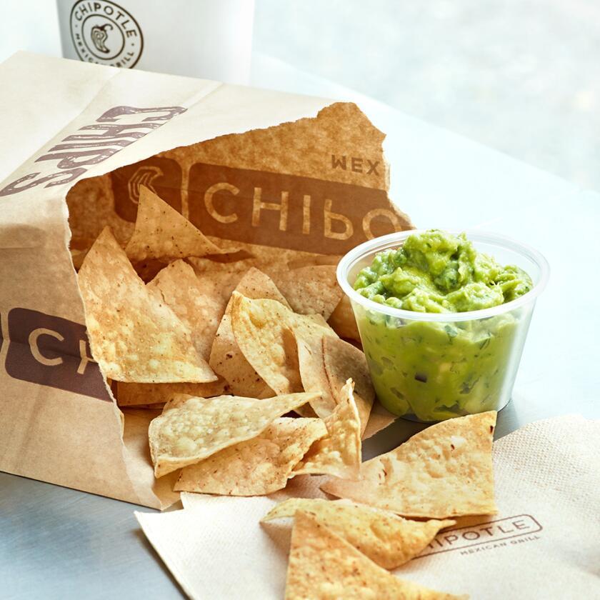chipolte_Chips&Guacamole_2_3000.jpg
