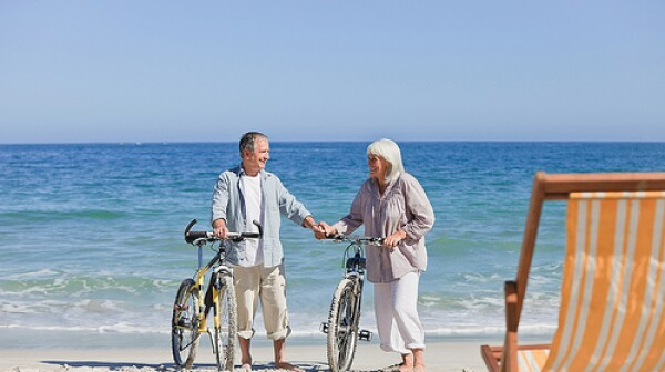 older-couple-beach-brain-health