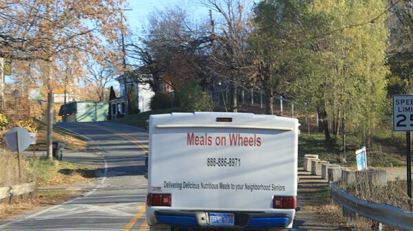 800px-Meals_on_Wheels_HotShot
