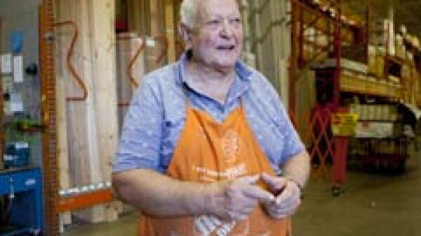 240-senior-worker-home-depot