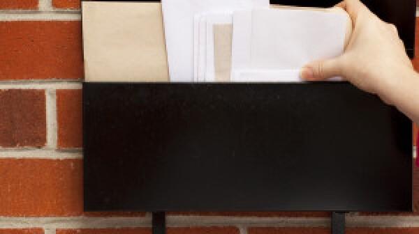 Grabbing envelopes from mailbox