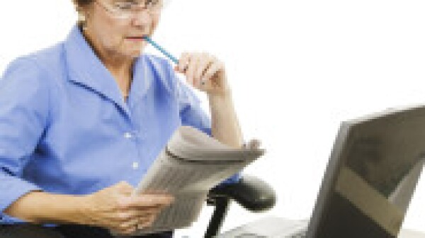 Older woman job hunting online