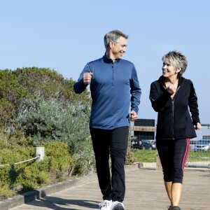 Boomer couple jogging