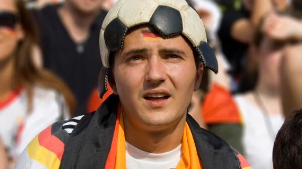 football head fan