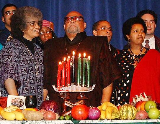 Ron Karenga leads Kwanzaa celebration