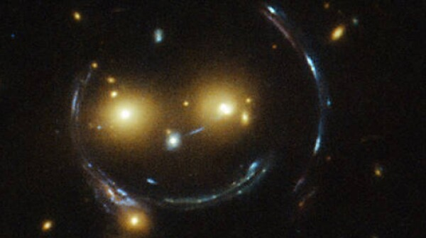 hubble-image-nasa-smile-closeup
